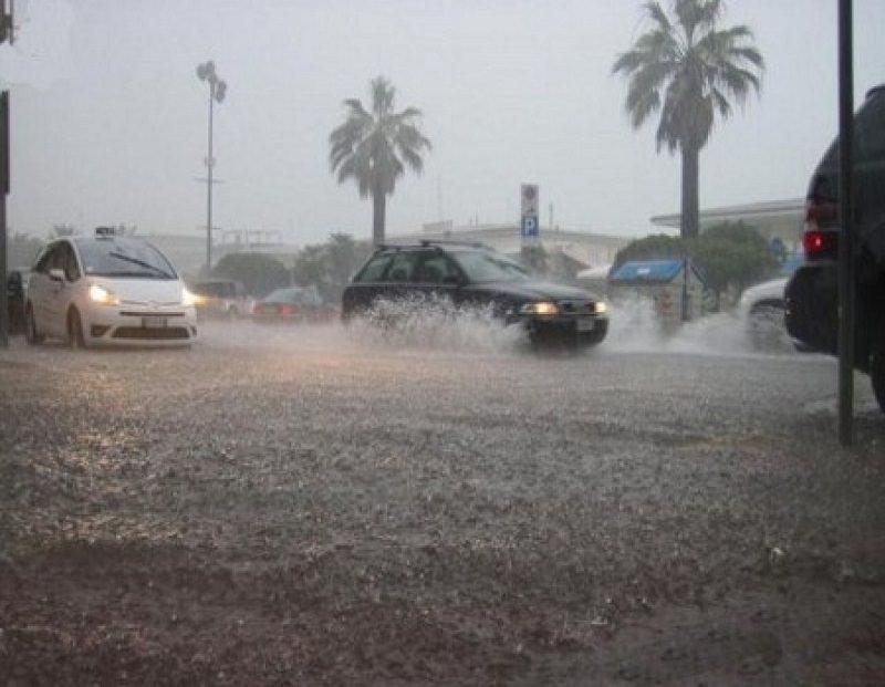 Temporali e vento in arrivo nel pomeriggio in Sicilia: attesi nubifragi su Catania, Siracusa e Messina