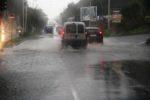 Caos a Trapani: le strade diventano fiumi. Il maltempo si espande in tutta la Sicilia