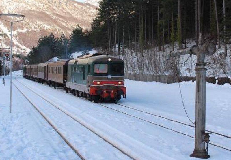 Neve e gelo: tante corse dei treni cancellate