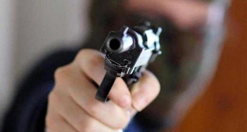 Omicidio nel Catanese: uomo incappucciato ucciso a colpi di pistola