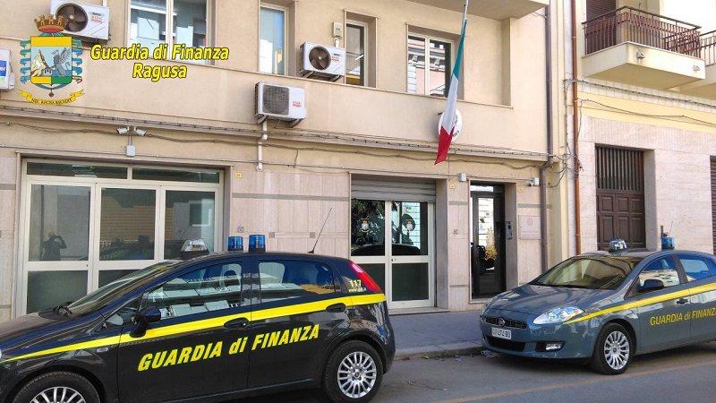 """Pomodori dell'Albania spacciati per """"Made in Sicily"""": denunciato uomo di Vittoria"""
