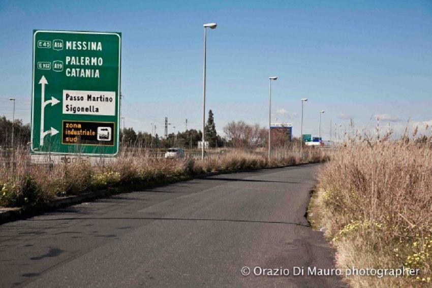 Sì alla costruzione di una caserma dei Cc nella zona industriale di Catania