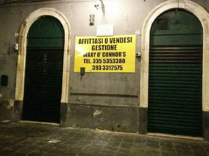 """Il vigile che misura i decibel con l'orecchio e le vessazioni. Chiude il Waxy, simbolo della movida di Catania. """"Qui non si può lavorare"""""""