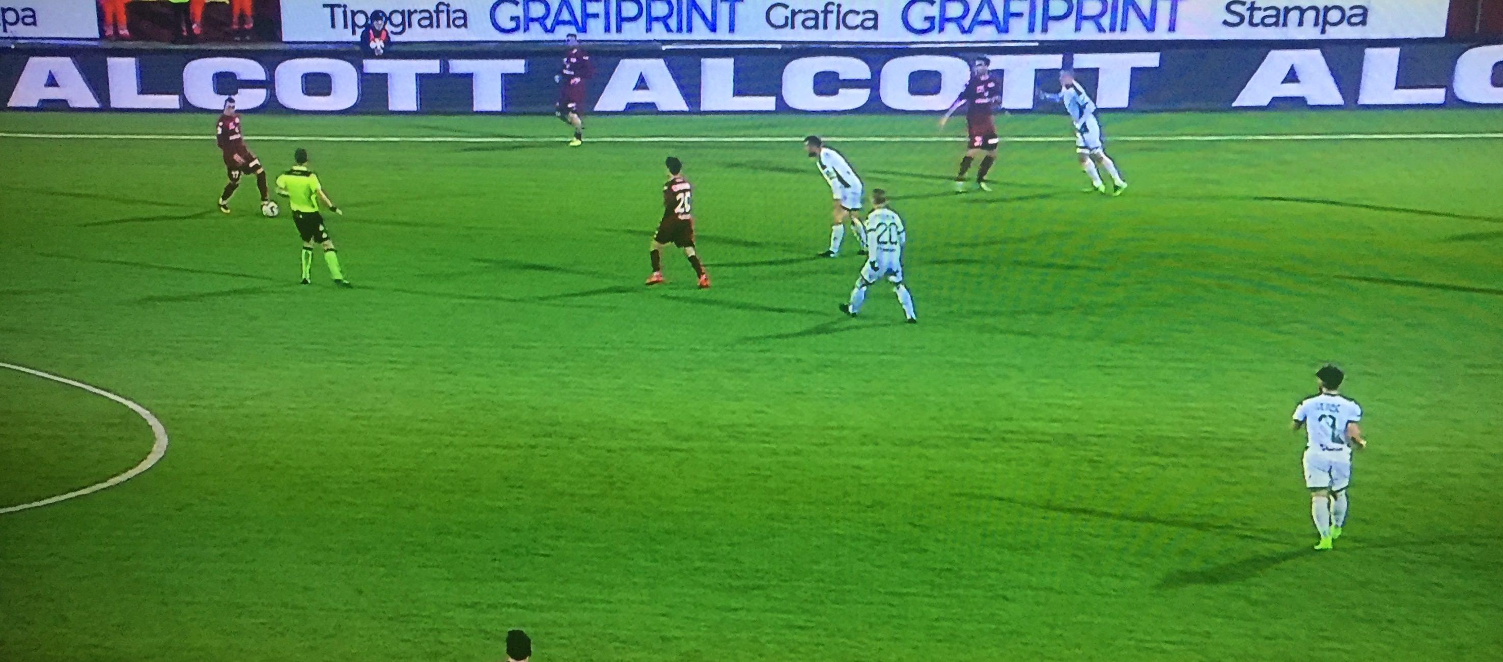 Trapani, vince la noia: solo 0-0 con l'Avellino
