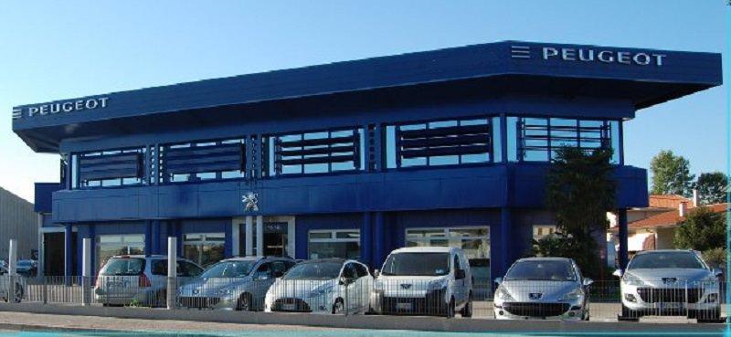 Automobili Peugeot a rischio incendio, l'azienda richiama due modelli