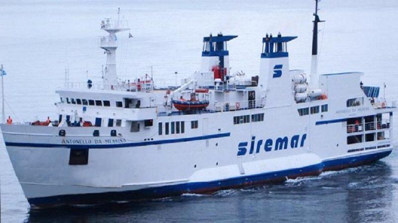 """Portellone del traghetto """"Sansovino"""" si stacca durante navigazione: iniziano tentativi di recupero"""
