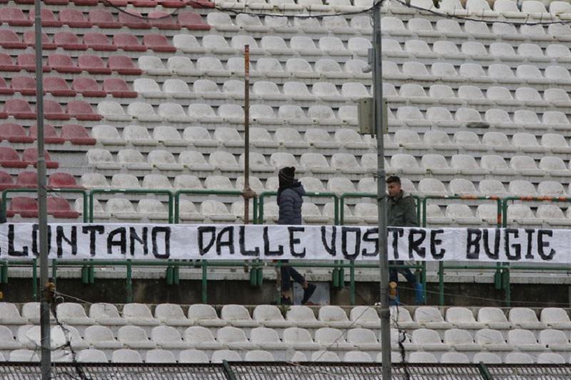 """""""Game Over"""" Messina: non ci sono soldi, a rischio partita con la Paganese"""