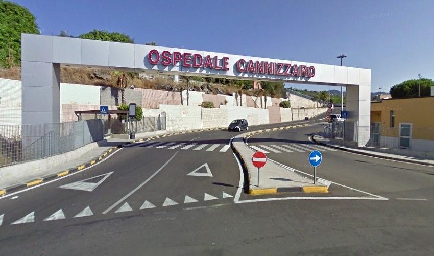 Paura nel Catanese, 47enne ferito dall'esplosione di un estintore: trasportato al Cannizzaro