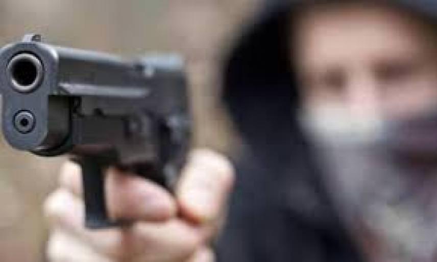 Altra sparatoria nello Zen, padre e figlio feriti da colpi d'arma da fuoco: trasportati in ospedale