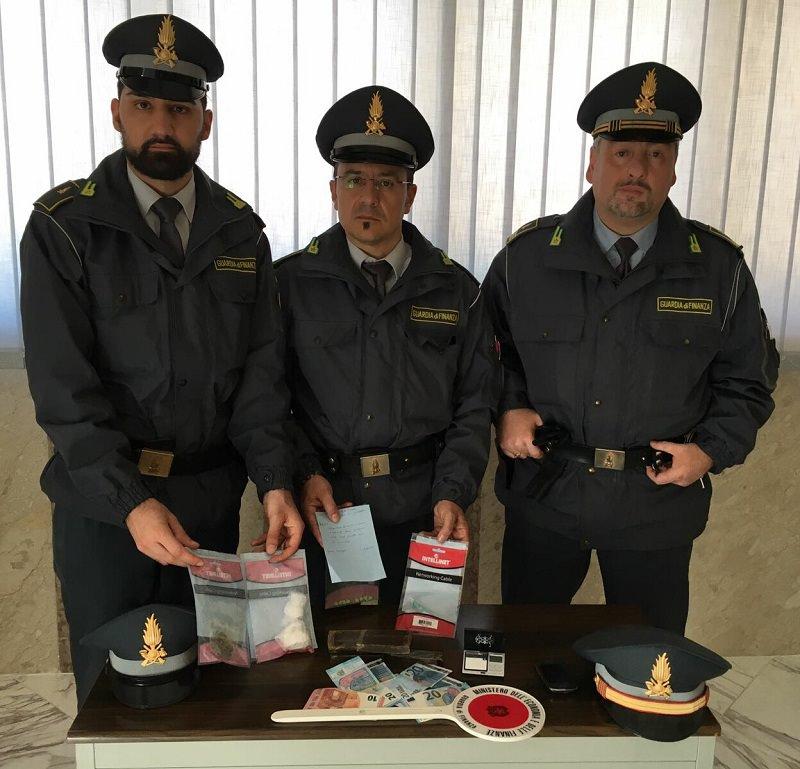 """Palermo, arrestato pusher nella zona della """"movida"""""""