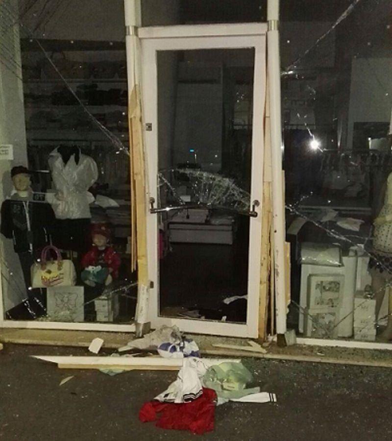 Ancora furti nei negozi catanesi: in frantumi la vetrina dell'outlet di Sozzi Aghina