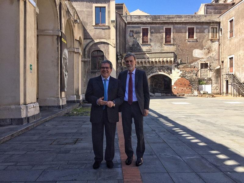 Catania ministro delrio al palazzo della cultura newsicilia for Escher mostra catania