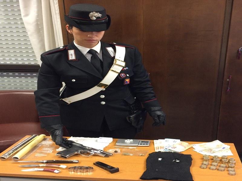 Nasconde la droga in un magazzino: arrestato a Palermo