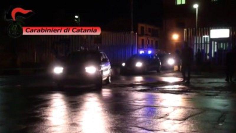 Mafia, estorsione, sequestro di persona: in manette 15 membri del clan Santapaola-Ercolano. IL VIDEO