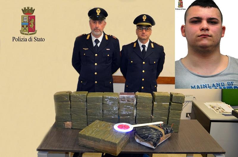 Trovato in possesso di hashish e di cocaina: arrestato giovanissimo
