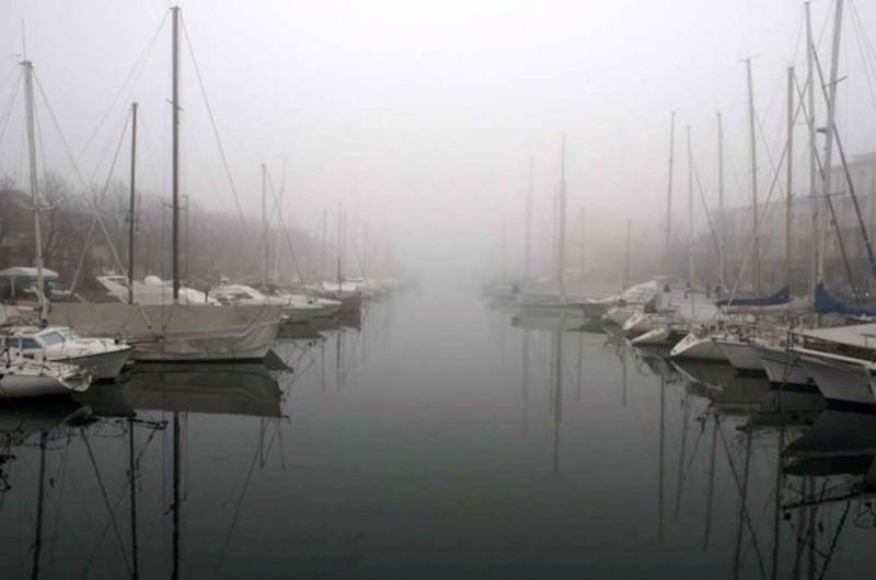 Catania avvolta dalla nebbia, chiuso l'aeroporto