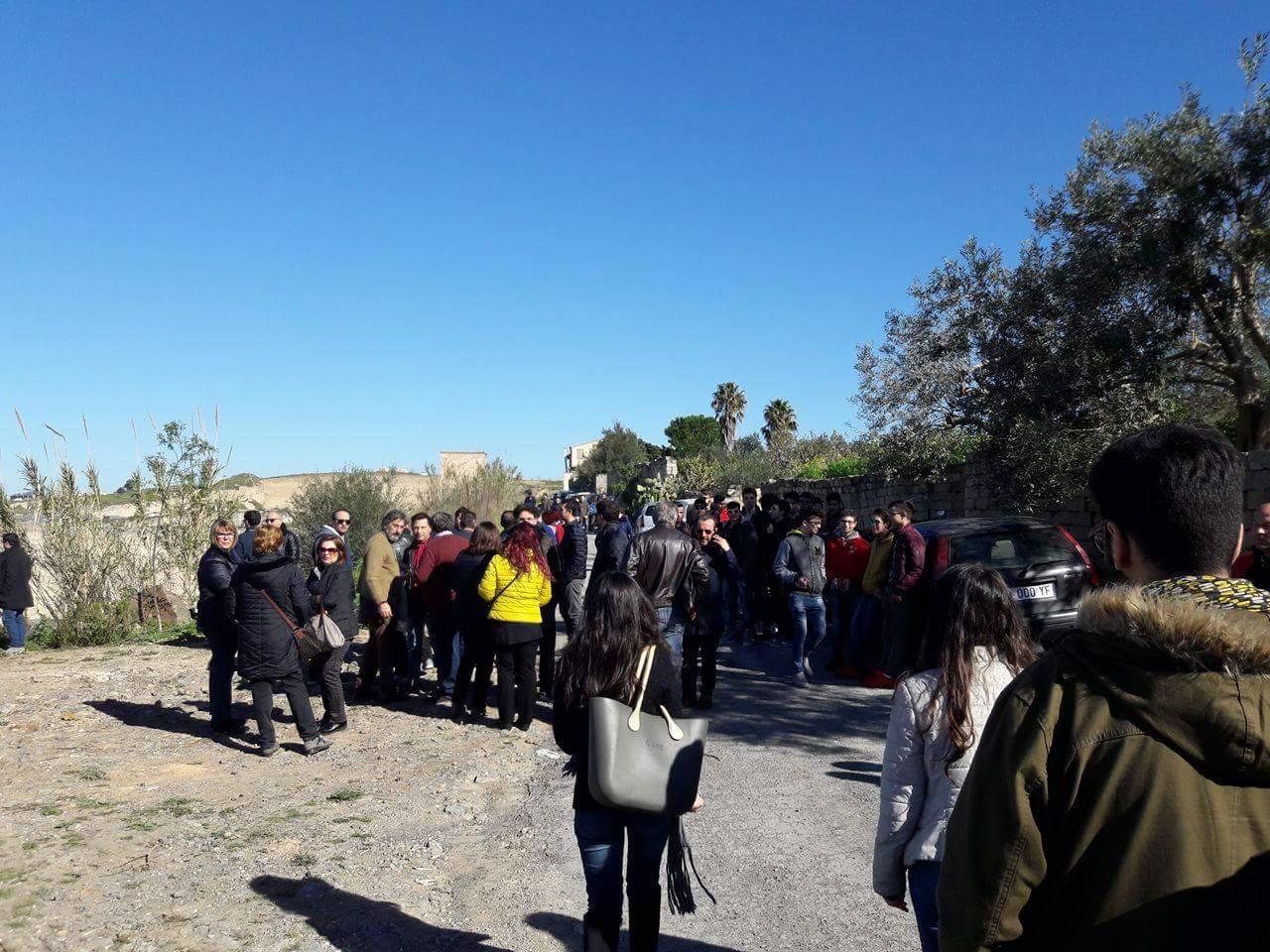 Lentini, centinaia in piazza contro la discarica