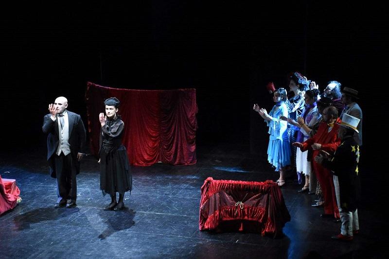 """""""Così è se vi pare"""", l'opera di Pirandello rivisitata tra musica e gesti"""