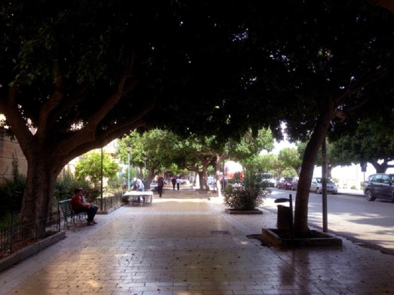 """Agrigento, viale della Vittoria al buio: consiglieri """"Uniti per la Città"""" chiedono il ripristino"""