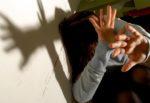 Percossa fino alla fuga, auto distrutta e minacciata di morte insieme alla figlia: finisce l'inferno di una donna