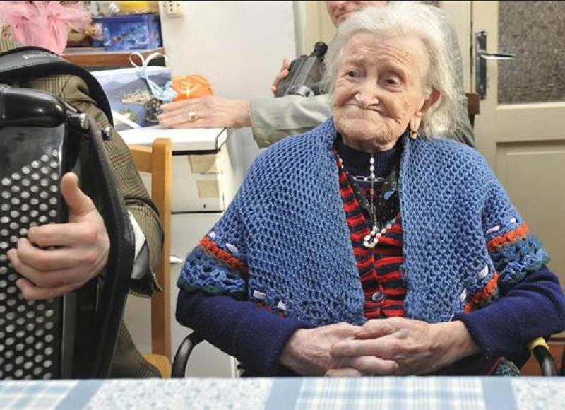Morta la donna più anziana del mondo: aveva 117 anni