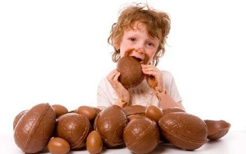 Dall'Italia al Regno Unito tutti golosi dell'uova di cioccolato: ecco la storia del tradizionale dono pasquale