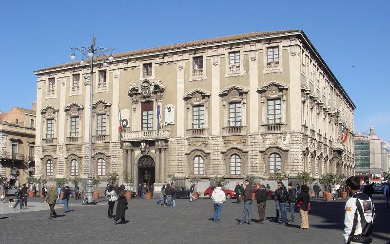 Catania, consigliere comunale positivo: sospese le attività in presenza, Palazzo degli Elefanti sanificato