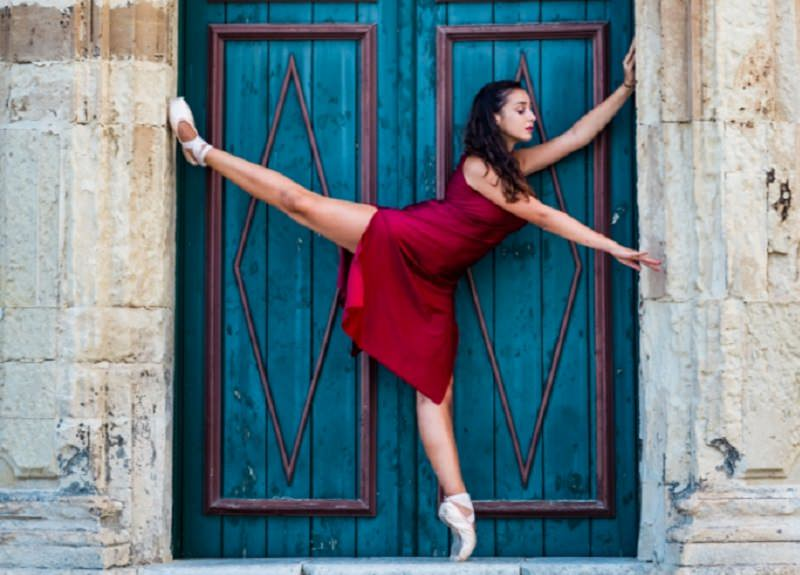 """""""Festival della Danza – Città di Ragusa"""" con fotografia e scrittura. Ospite Luciana Savignano"""