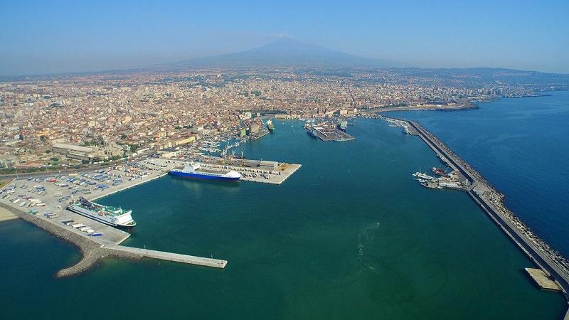 Porto di Catania, esercitazione antincendio e security: simulato intervento nel deposito di cavi
