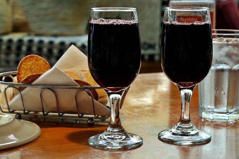 Bere vino aiuta a dimagrire: i sorprendenti risultati di una ricerca scientifica