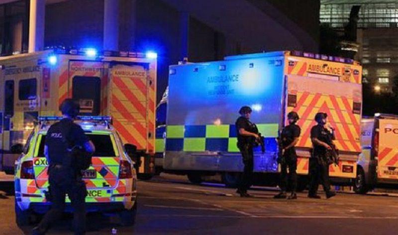 Una serata di musica sconvolta da un boato: 19 morti, almeno 60 feriti. Il resoconto dell'attentato a Manchester