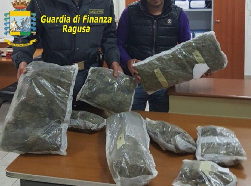 Beccato al porto con 50 mila euro di droga: arrestato pusher polacco