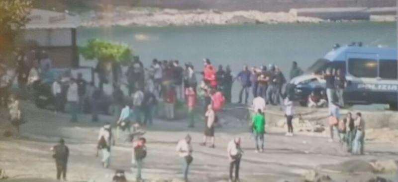 Manifestanti contro il G7, incidenti e posti di blocco a Giardini Naxos
