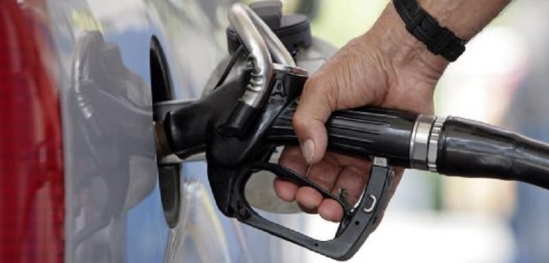 Buone notizie per i viaggiatori: stabilità dei prezzi dei carburanti