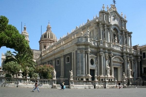 Giornata contro la violenza sulle donne: a Catania nel ricordo di Sant'Agata  domani messa dedicata alle vittime