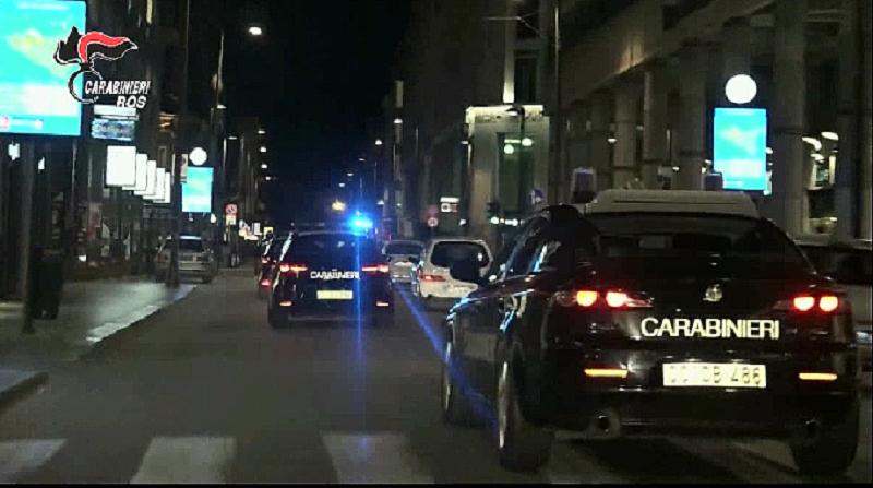 """Lampedusa, litigata """"devastante"""": danneggia l'auto di un uomo e viene arrestato"""