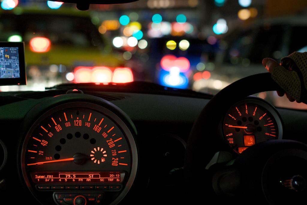 """""""Need for speed"""" per le strade cittadine: strade chiuse al traffico e fuga sulla Mini"""