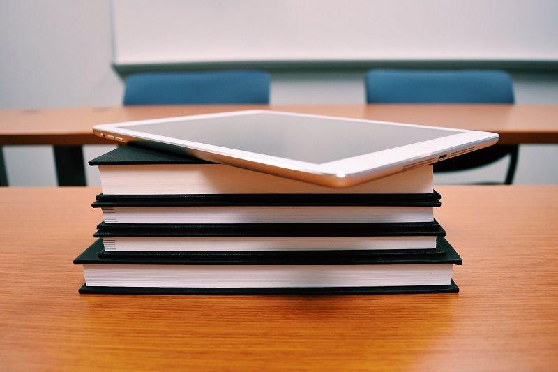 """La Regione in """"soccorso"""" della DaD: oltre 7mila tablet e più di 200mila schede alle scuole"""