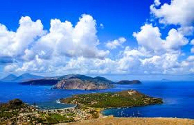 Coreani alle Isole Eolie: tra cinema e vulcani