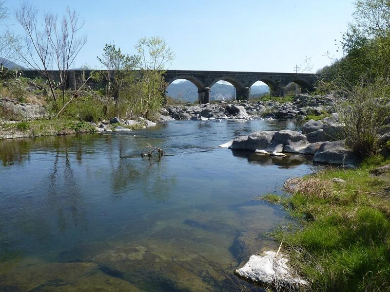 Turista svedese ritrovato cadavere nel fiume Alcantara