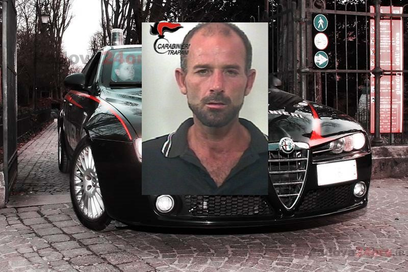 """Petrosino, aspetta """"vittime"""" davanti a banca e ufficio postale e le rapina: arrestato"""