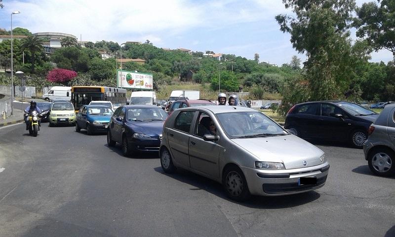 """Lavori alla Circonvallazione di Catania per fuga di gas, traffico in tilt. """"Serve piano alternativo"""""""