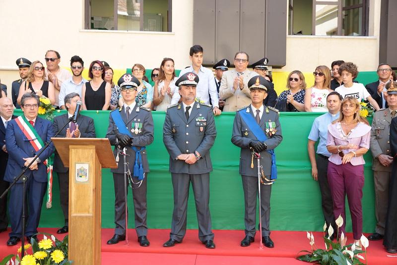 243° anniversario: col. Manna passa il comando a Quintavalle Cecere