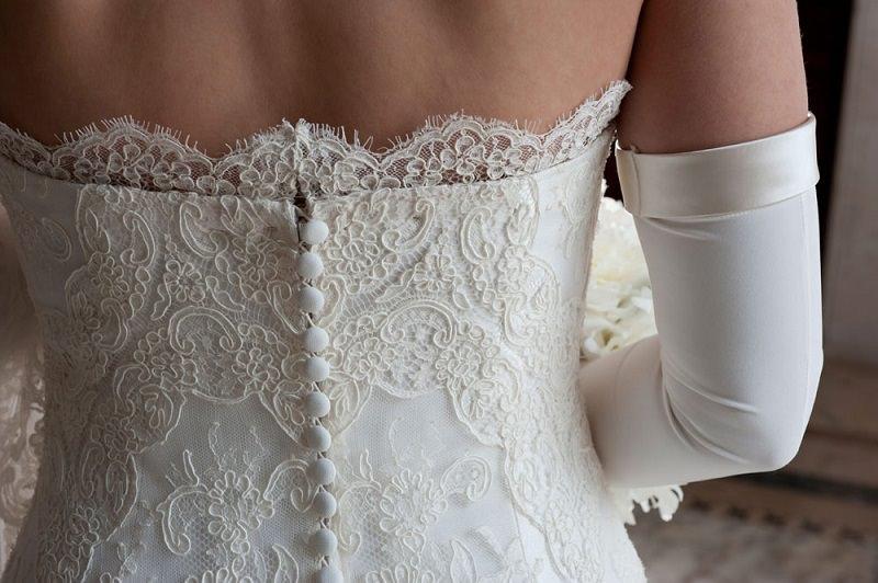 """La lascia all'altare e si barrica in caserma: sposa festeggia al ristorante lo """"scampato pericolo"""""""