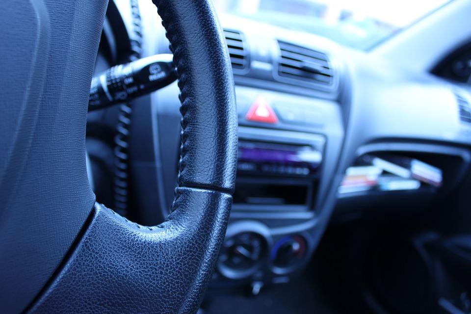 Tasse e prezzi in ascesa: ecco quanto costa mantenere un'auto