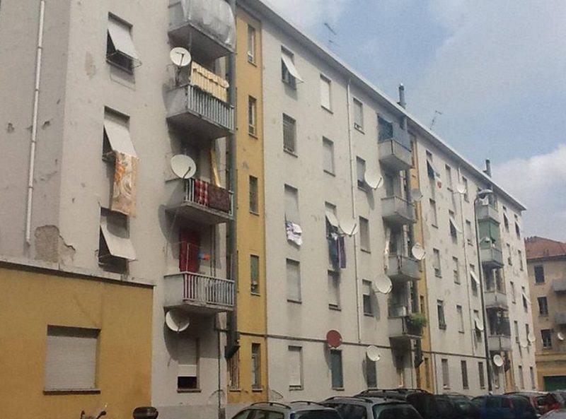 Crolla il balcone delle Case Popolari, evacuate 6 famiglie del Catanese: tra di loro 2 disabili e 8 minorenni