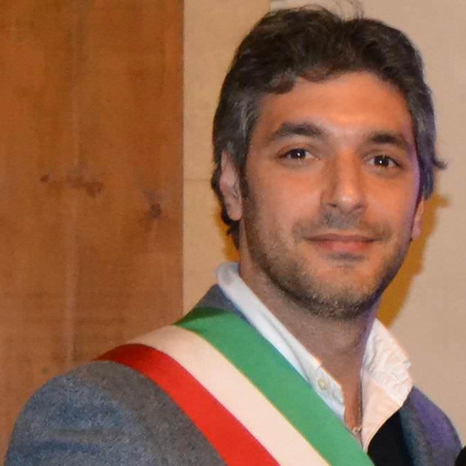 """Foglio bianco e tre bossoli di pistola. Ancora intimidazioni al sindaco di Avola: """"Non mi faccio spaventare"""""""
