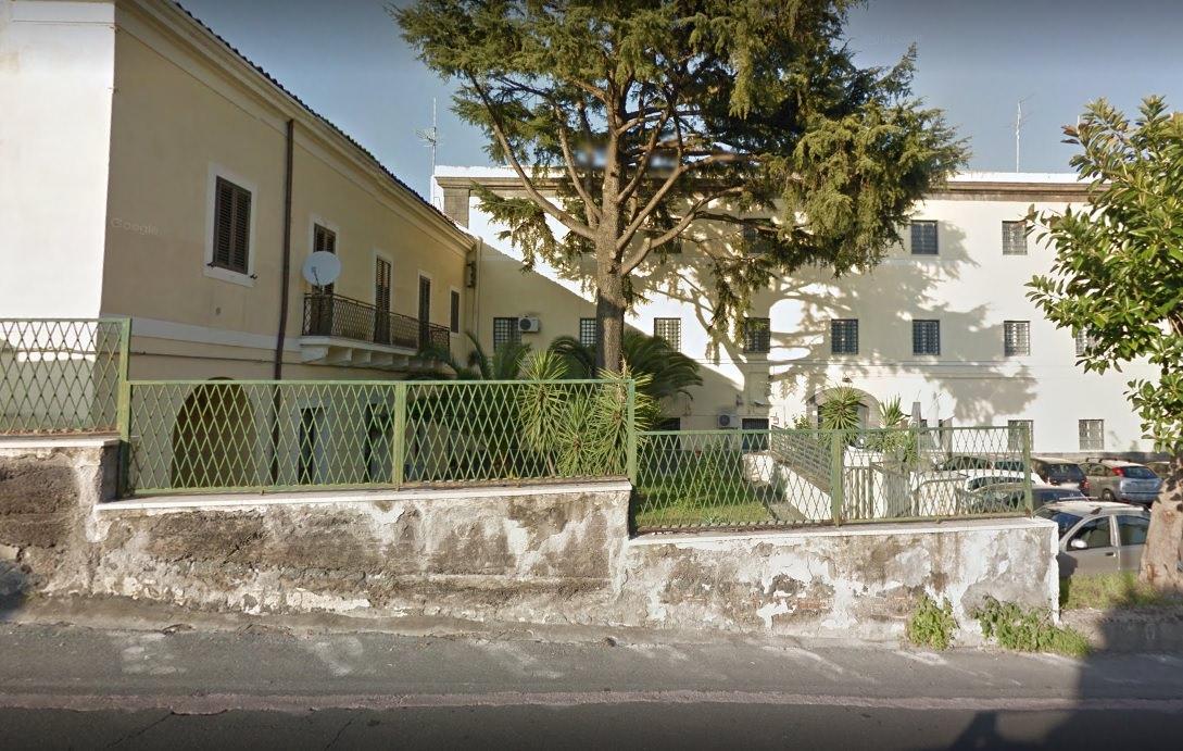 Incendio nel carcere minorile di Acireale: evacuati i detenuti