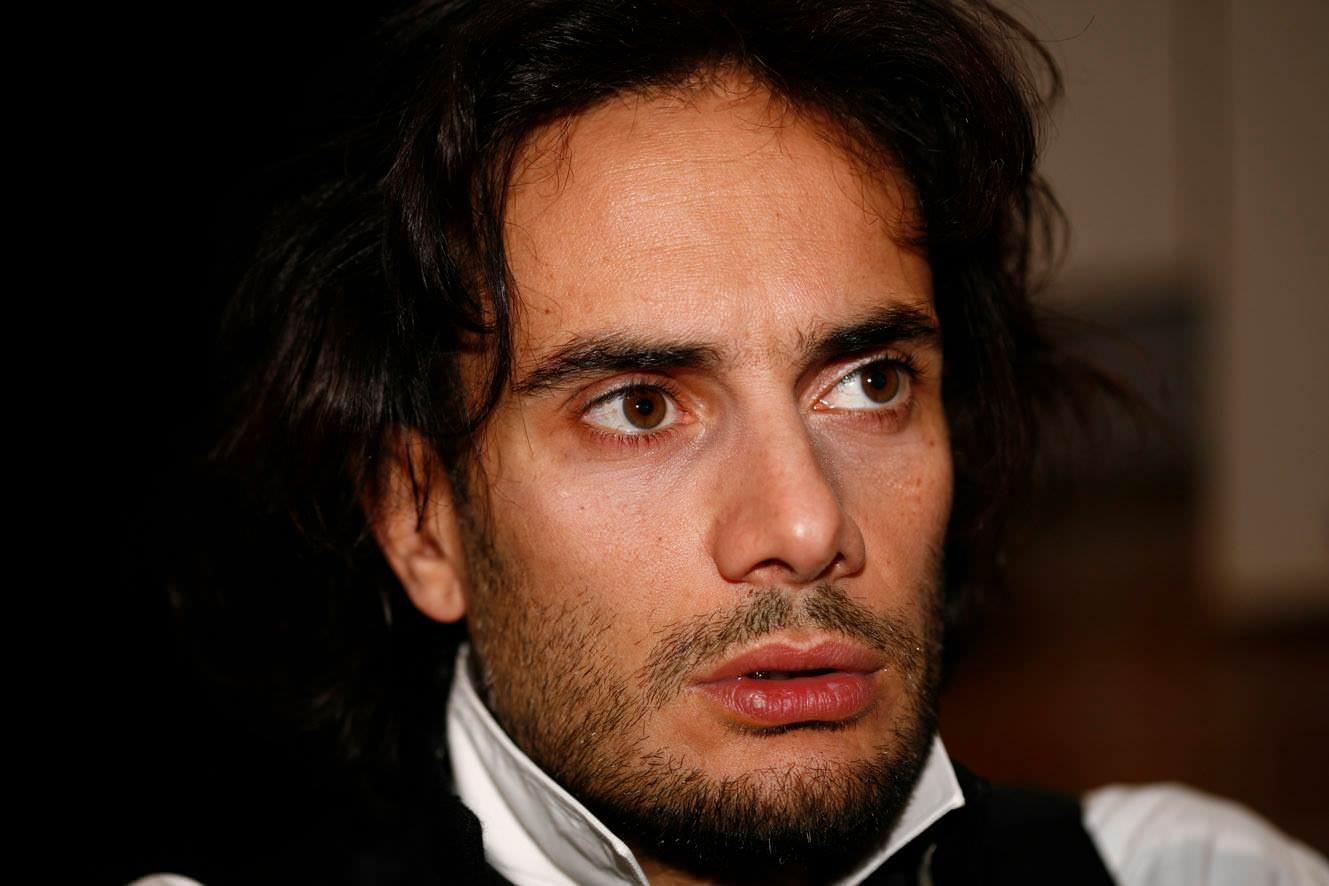 """Al teatro Chaplin in scena """"Sfracelli d'Italia"""" di Nicola Costa, picconate su un sistema marcio"""