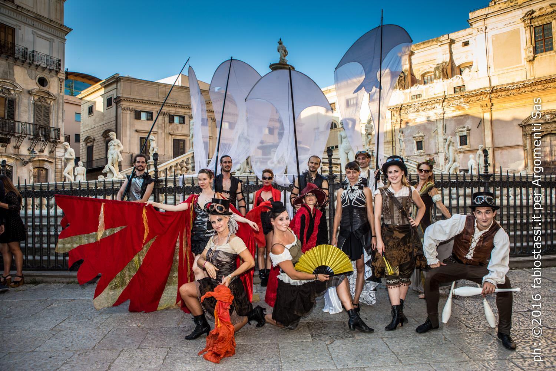 """Parte con il solstizio d'estate la mostra fotografica """"Fuoco Sicilia – 10 anni di Emozioni con il Teatro del Fuoco ®"""""""